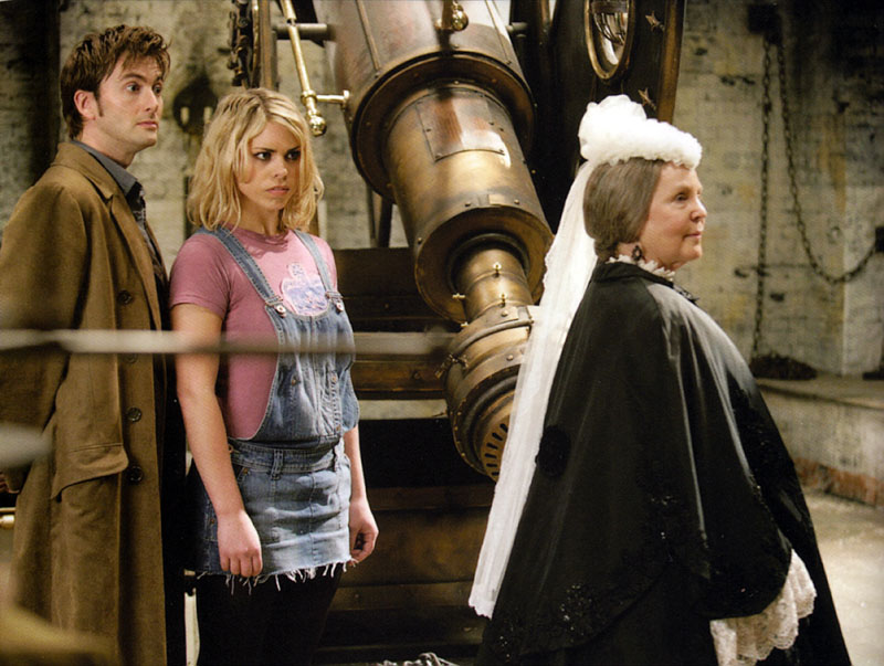 Pauline Collins, Billie Piper, and David Tennant in Doctor Who (2005)