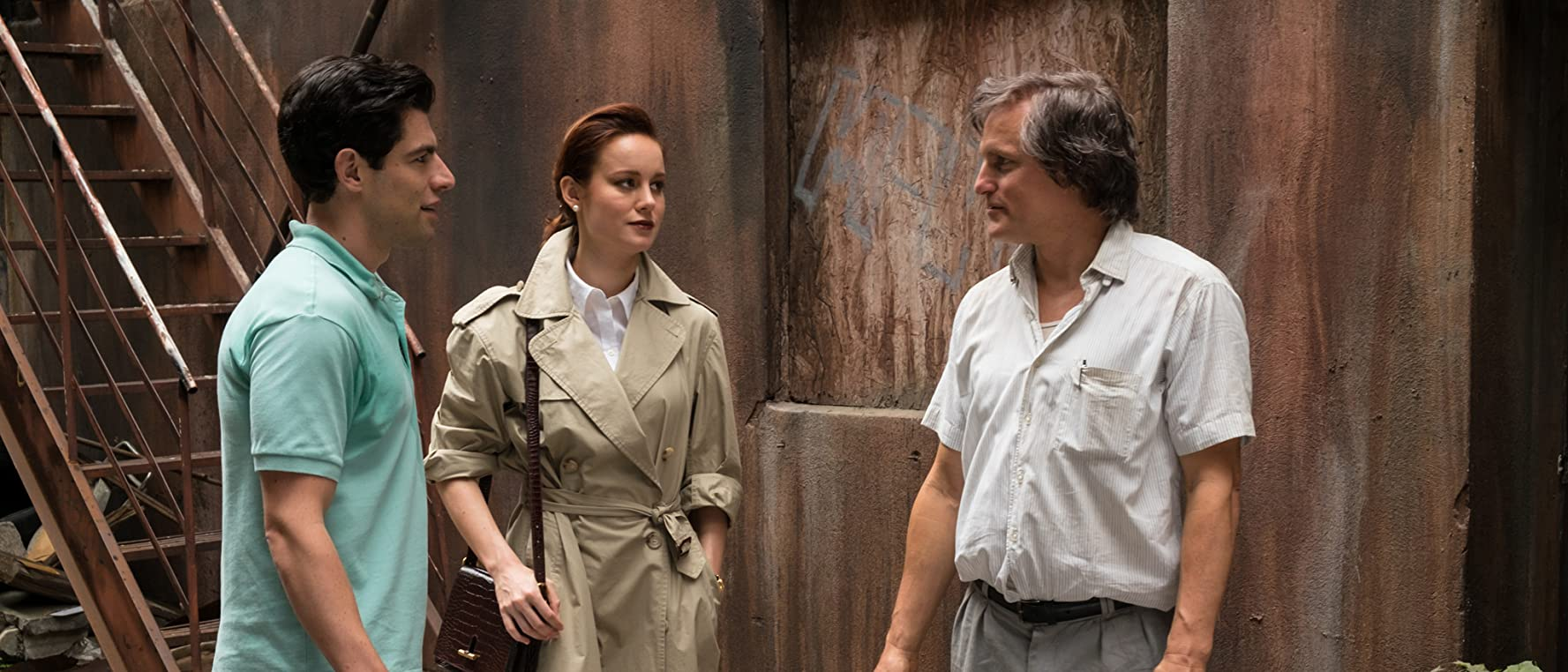 Woody Harrelson, Max Greenfield, and Brie Larson in The Glass Castle (2017)