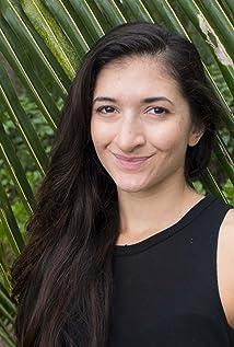 Zoe Eisenberg Picture