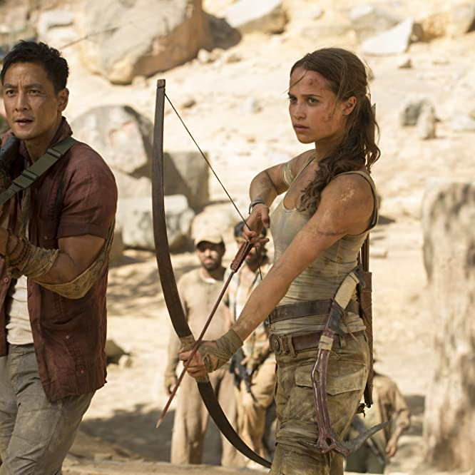 Daniel Wu and Alicia Vikander in Tomb Raider (2018)