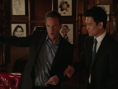 Matthew Perry and John Cho in Go On (2012)