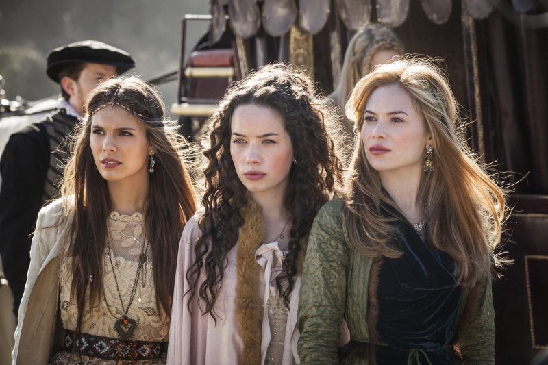 Anna Popplewell, Caitlin Stasey, and Celina Sinden in Reign (2013)