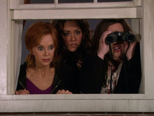 Swoosie Kurtz, Melissa McCarthy, and Katy Mixon in Mike & Molly (2010)
