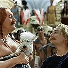 Gérard Depardieu and Christian Clavier in Astérix & Obélix: Mission Cléopâtre (2002)