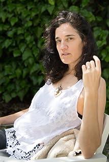 Amanda Cole Picture