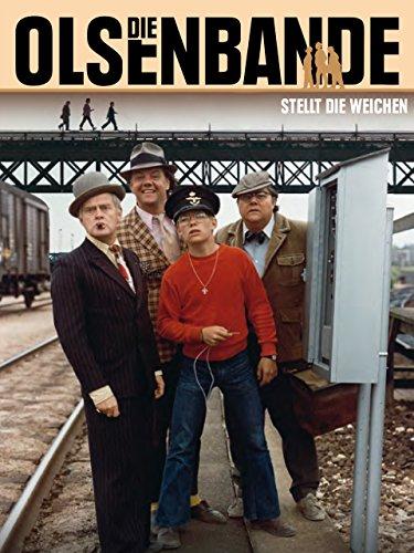 Poul Bundgaard, Morten Grunwald, Jes Holtsø, and Ove Sprogøe in Olsen-banden på sporet (1975)