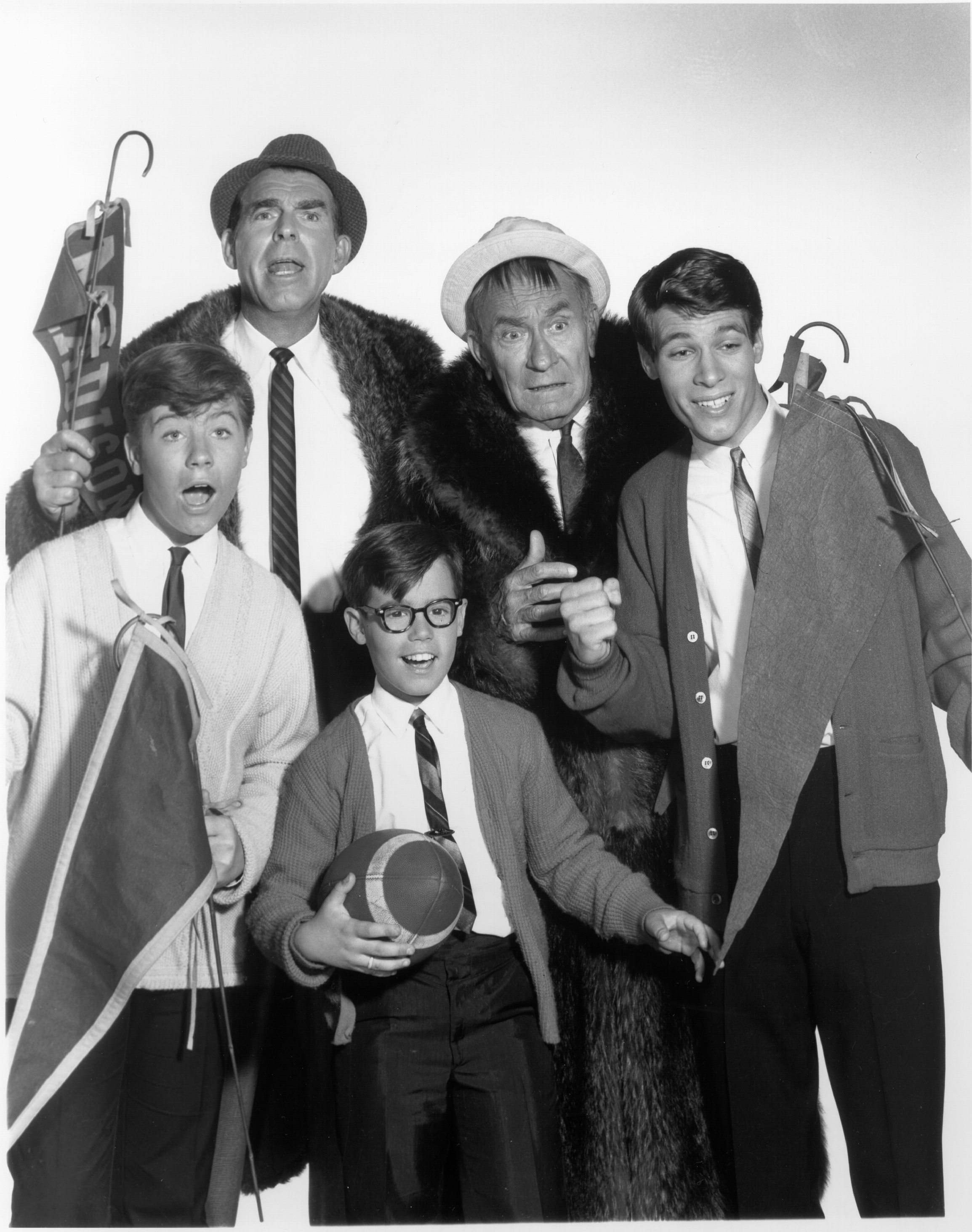 William Demarest, Don Grady, Barry Livingston, Stanley Livingston, and Fred MacMurray in My Three Sons (1960)