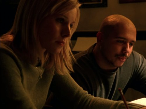 Kristen Bell and Francis Capra in Veronica Mars (2004)