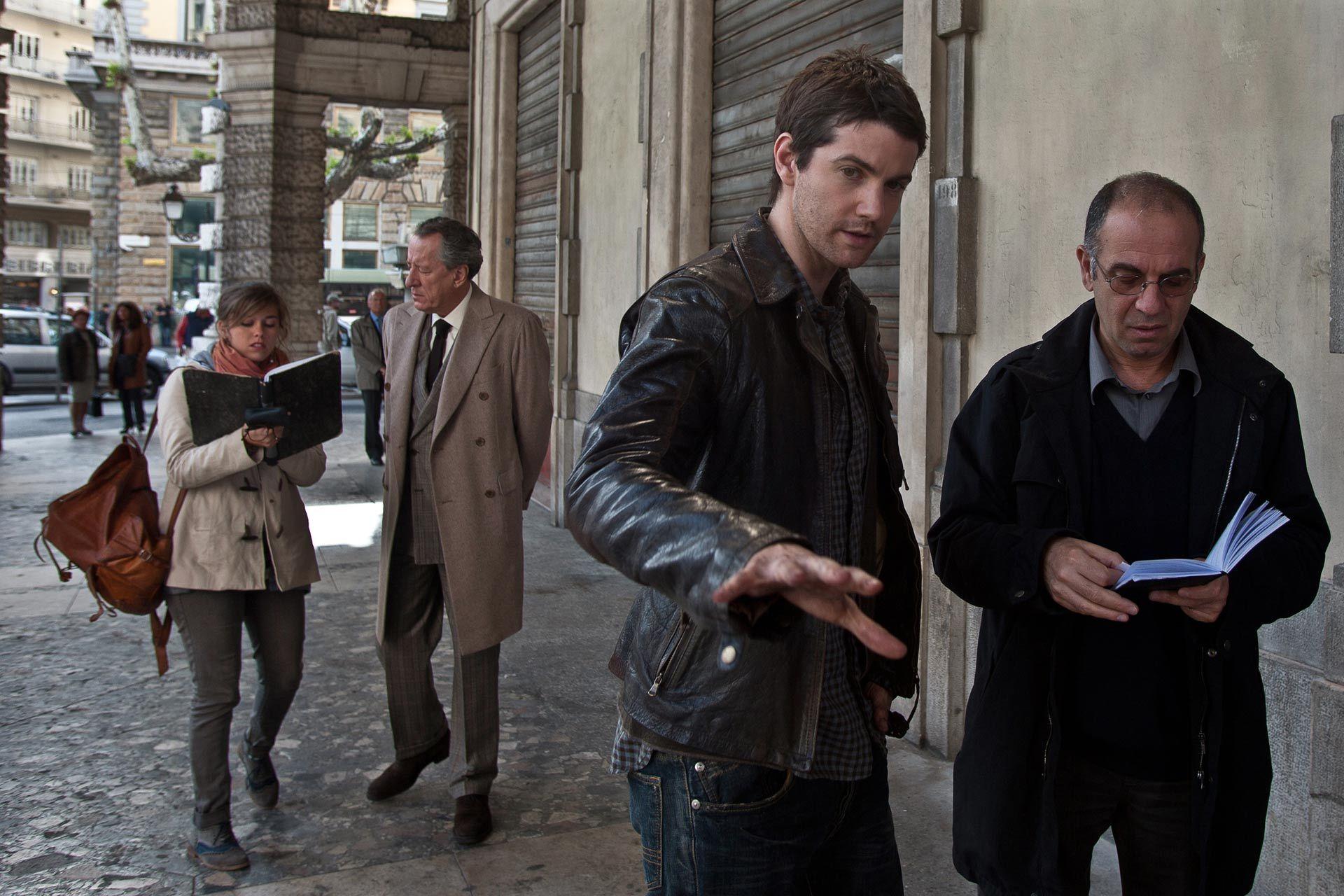 Geoffrey Rush, Jim Sturgess, and Giuseppe Tornatore in La migliore offerta (2013)