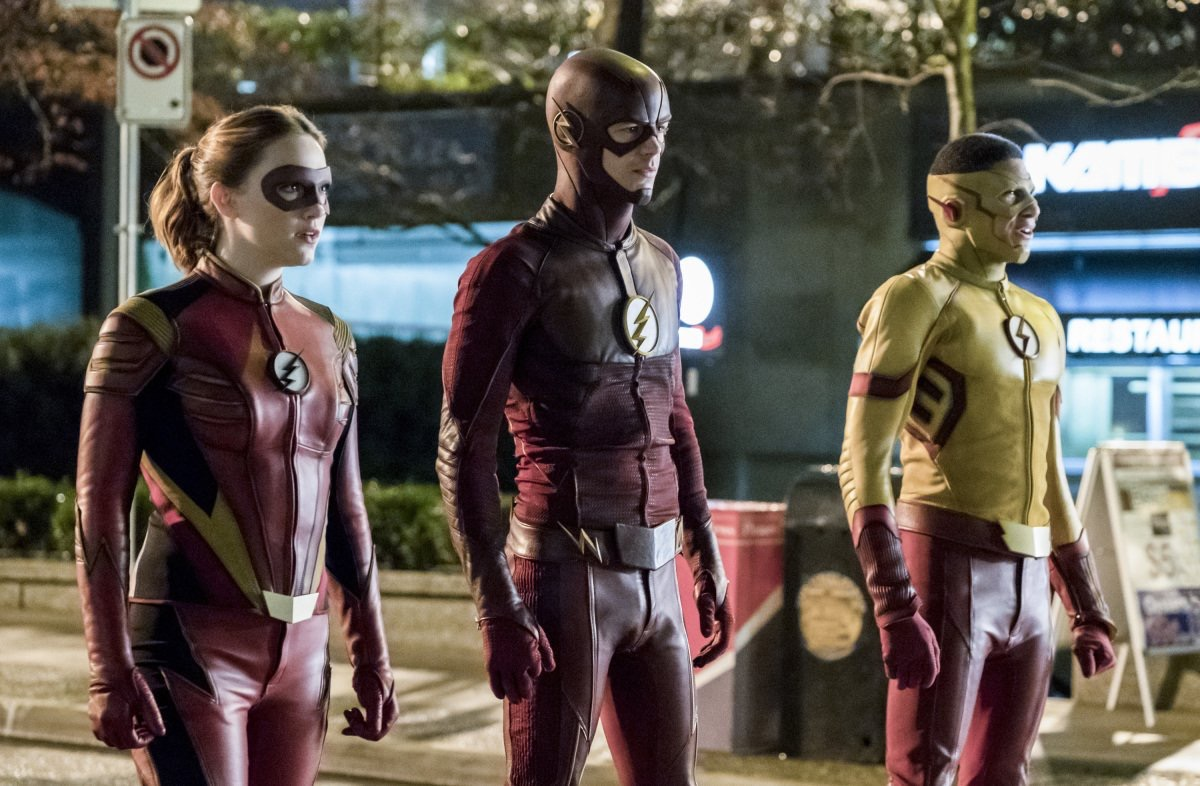 Grant Gustin, Keiynan Lonsdale, and Violett Beane in The Flash (2014)