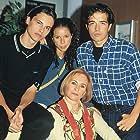 Mariano Alameda, Roberto Hoyas, Athenea Mata, and Cecilia Villarreal in Al salir de clase (1997)