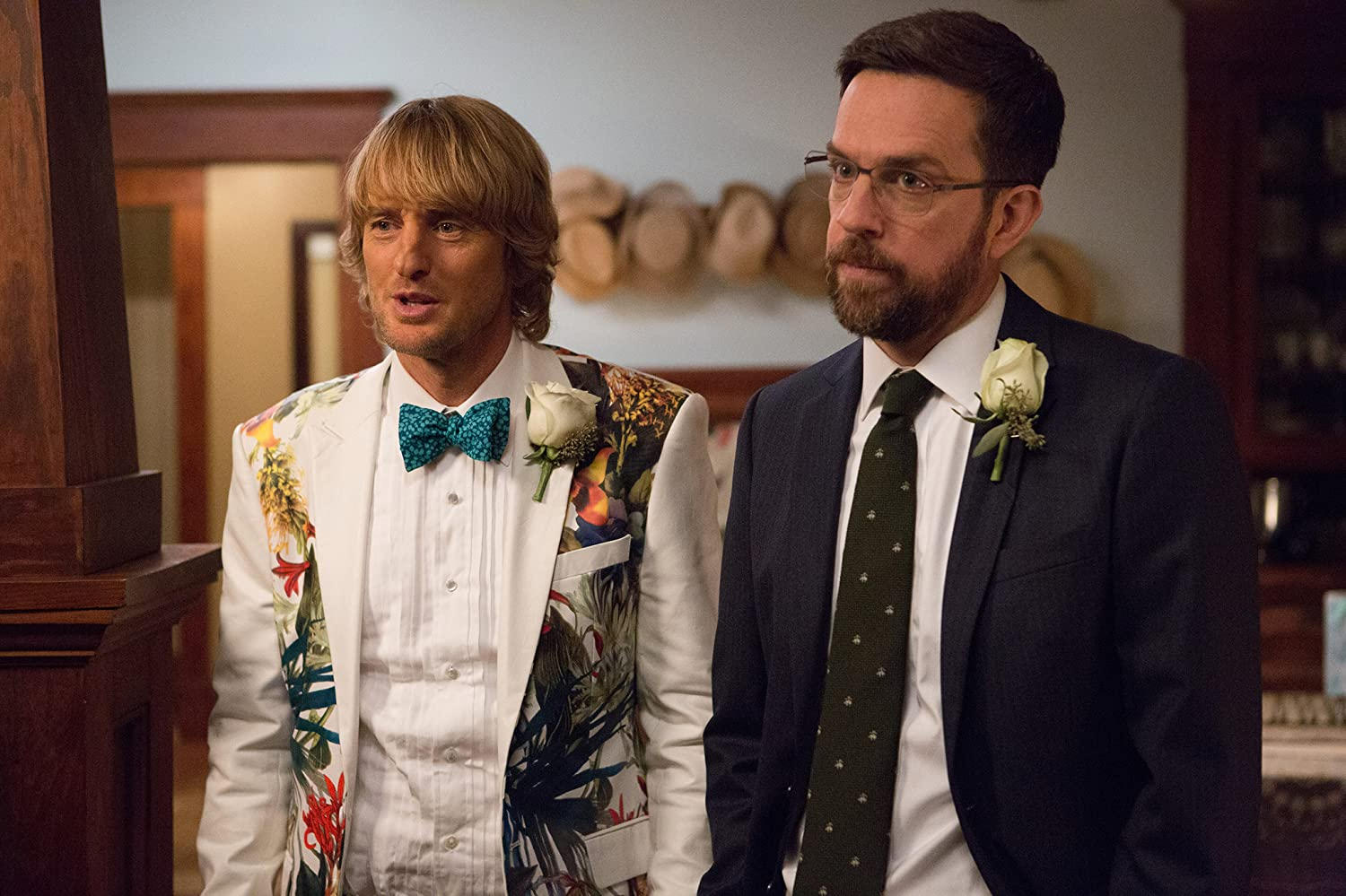 Owen Wilson and Ed Helms in Father Figures (2017)