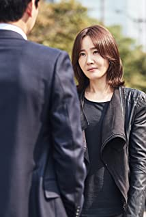 Ji-won Uhm Picture