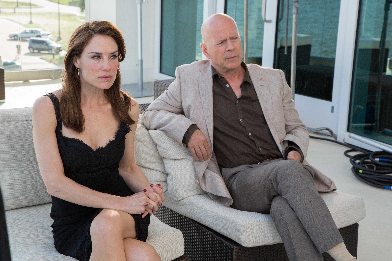 Bruce Willis and Claire Forlani in Precious Cargo (2016)