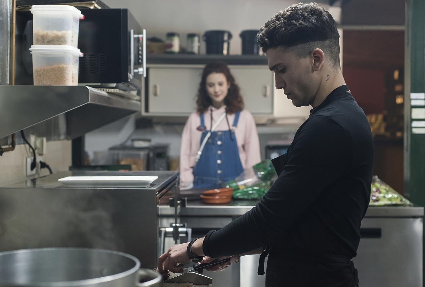 Jaime Lorente and Maria Pedraza personagens elite netflix (2018)