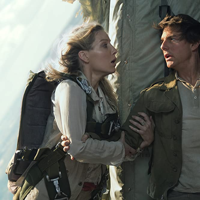 Tom Cruise and Annabelle Wallis in The Mummy (2017)
