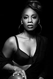 Anika Noni Rose Picture