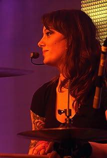 Stephanie Clattenburg Picture