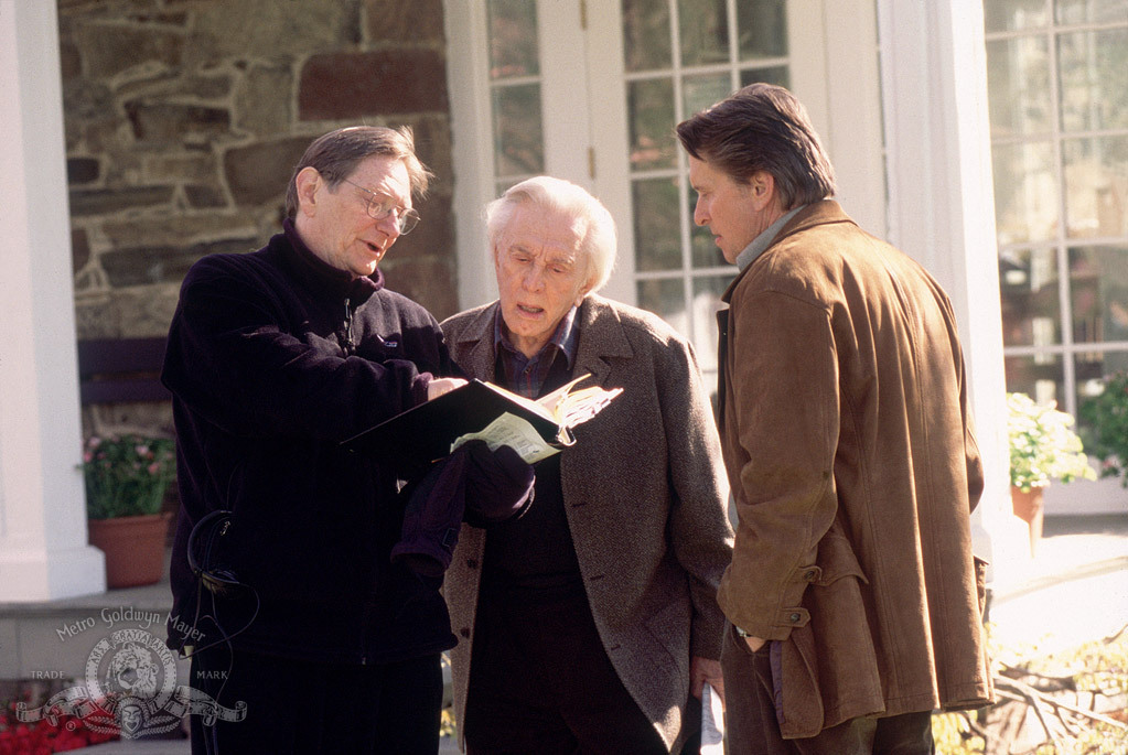 Kirk Douglas, Michael Douglas, and Fred Schepisi in It Runs in the Family (2003)