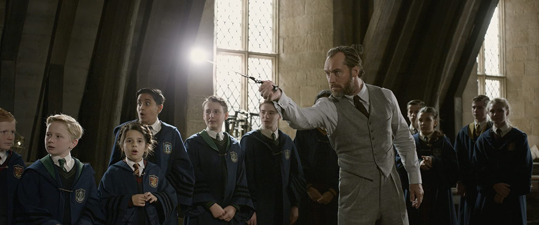 Jude Law in Fantastic Beasts: The Crimes of Grindelwald (2018)
