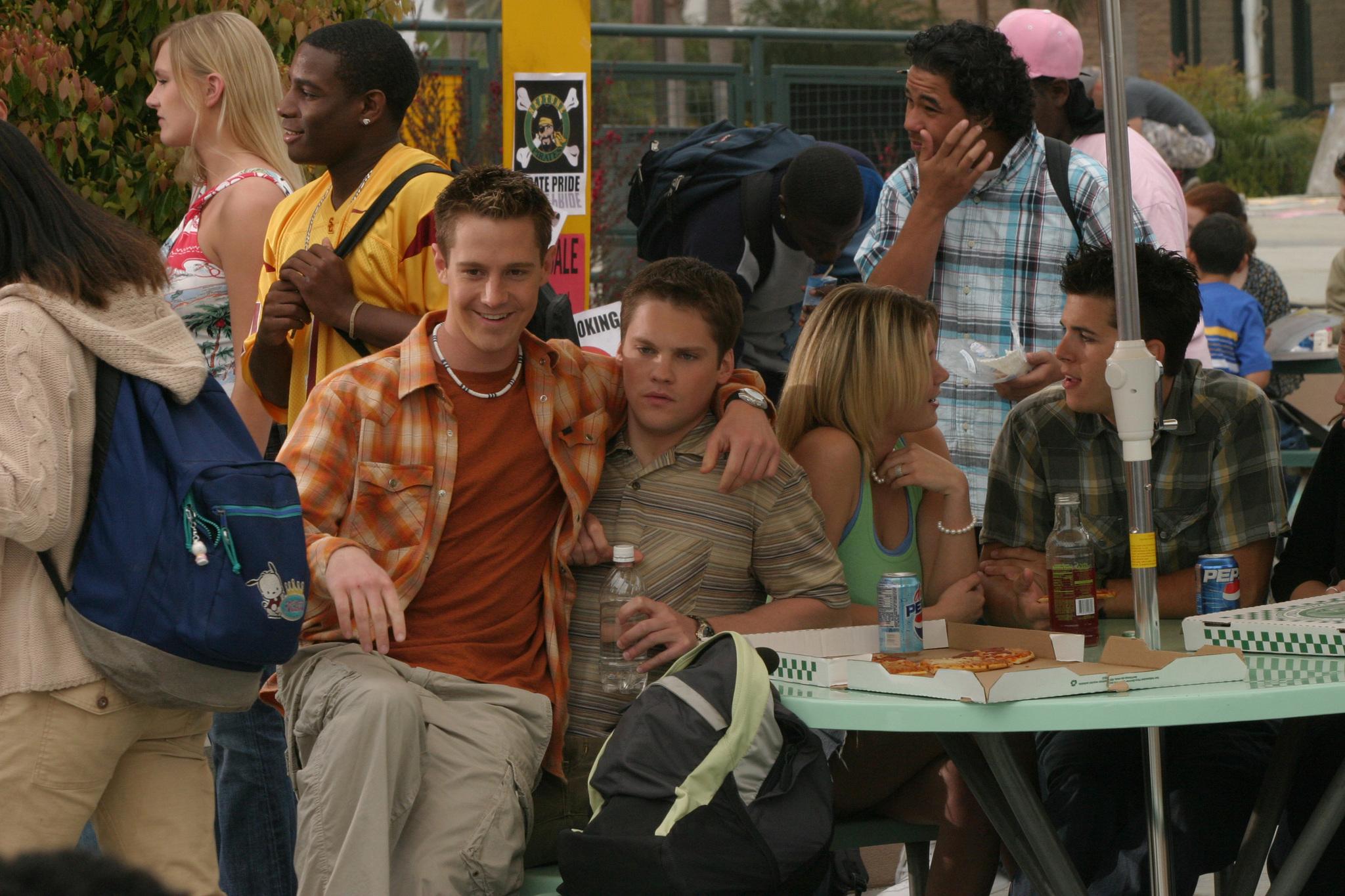 Jason Dohring and Teddy Dunn in Veronica Mars (2004)
