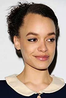 Britne Oldford Picture