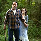 Arnold Schwarzenegger and Abigail Breslin in Maggie (2015)