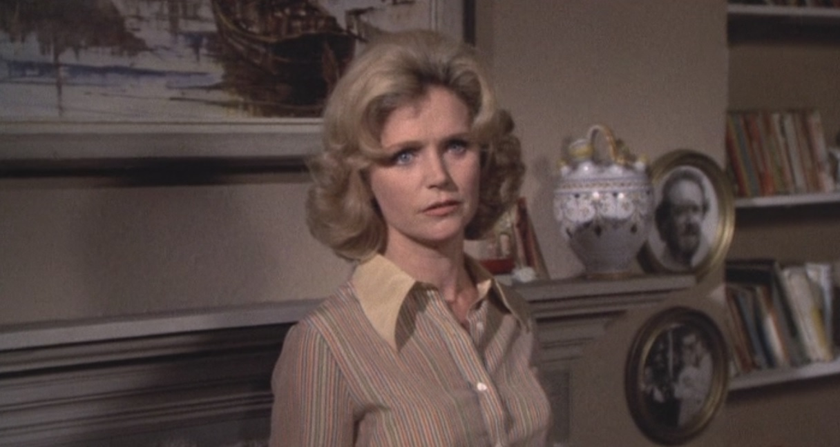 Lee Remick in Hennessy (1975)