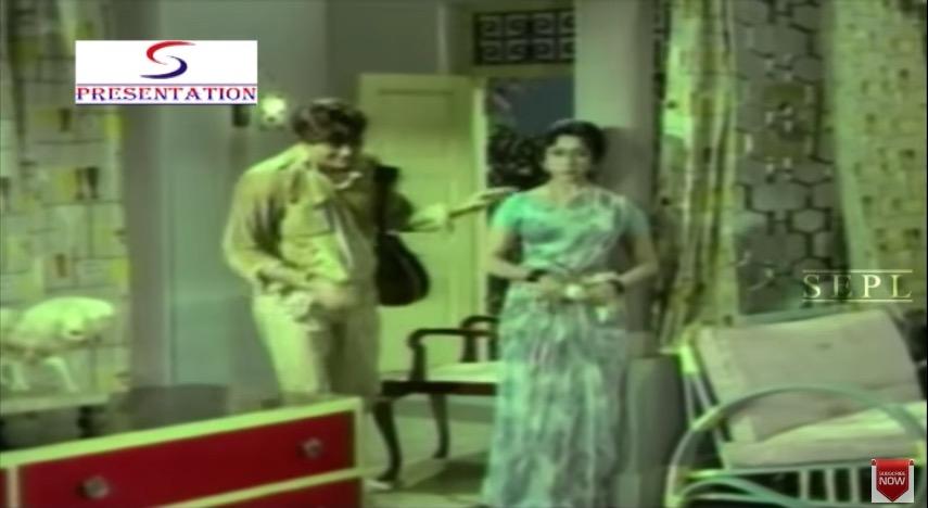 Raaj Kumar and Mala Sinha in Nai Roshni (1967)