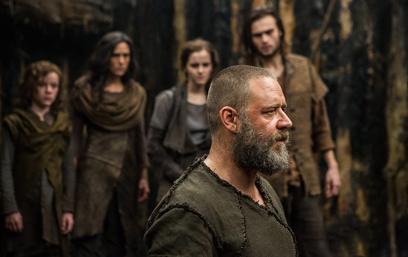 Jennifer Connelly, Russell Crowe, Emma Watson, Douglas Booth, and Leo McHugh Carroll in Noah (2014)