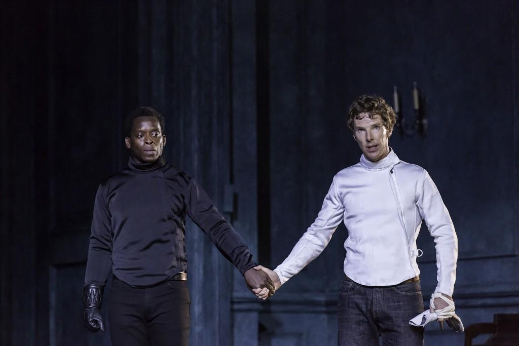 Benedict Cumberbatch and Kobna Holdbrook-Smith in National Theatre Live: Hamlet (2015)