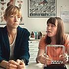 Jenny Schily and Victoria Schulz in Dora oder Die sexuellen Neurosen unserer Eltern (2015)