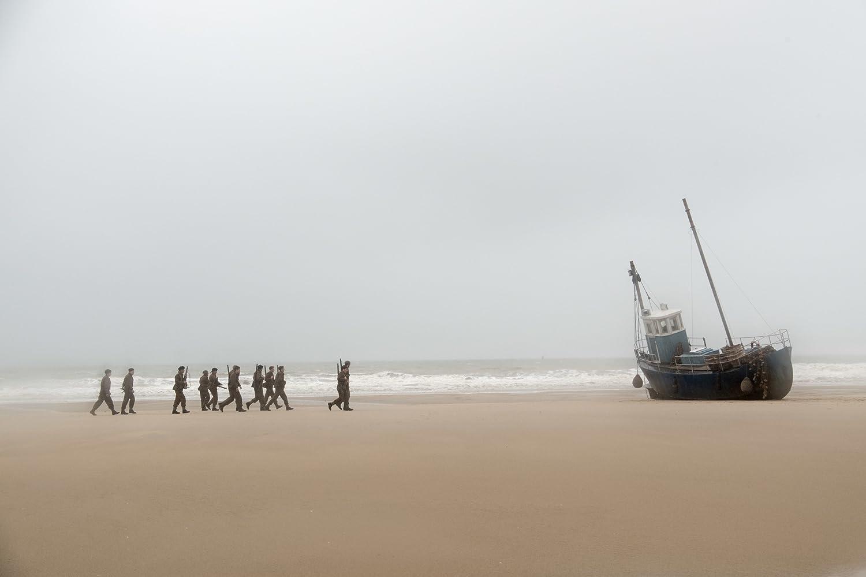 Mark Rayner, Mark Fichera, Aneurin Barnard, Harry Styles, Fionn Whitehead, and RJ Casey in Dunkirk (2017)