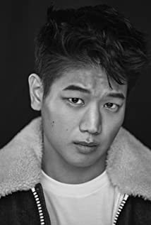 Ki Hong Lee Picture