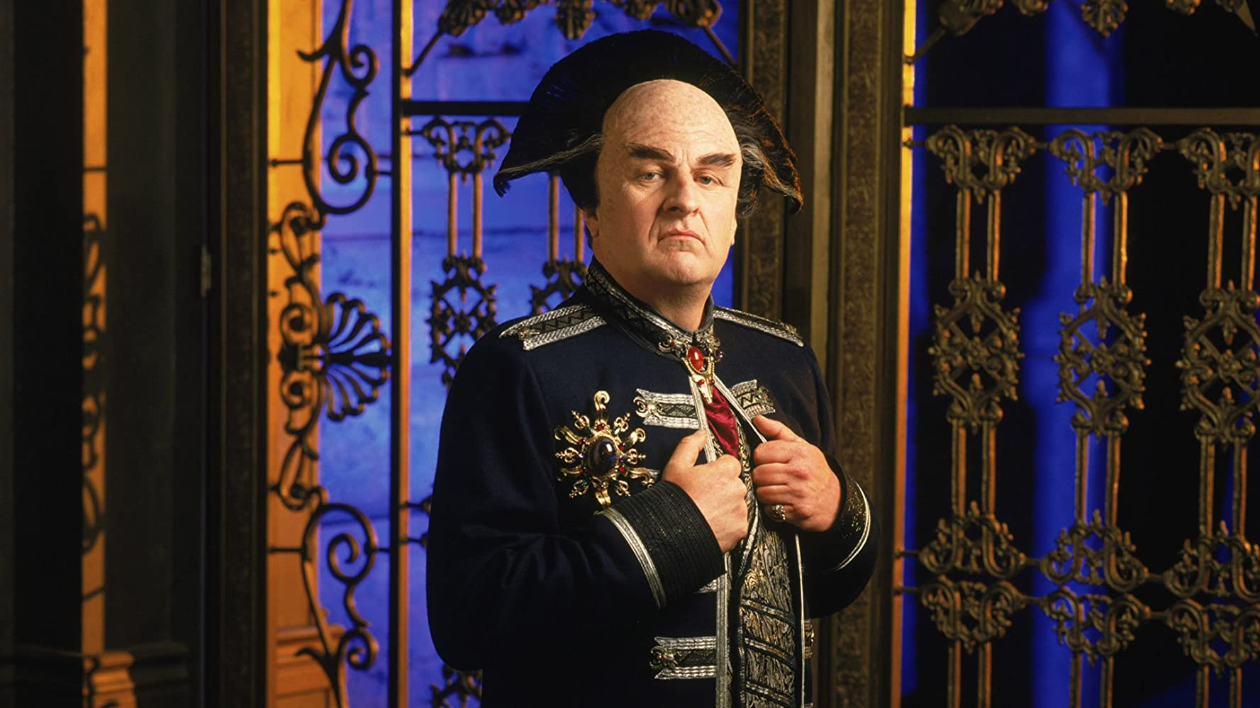 Peter Jurasik in Babylon 5 1994