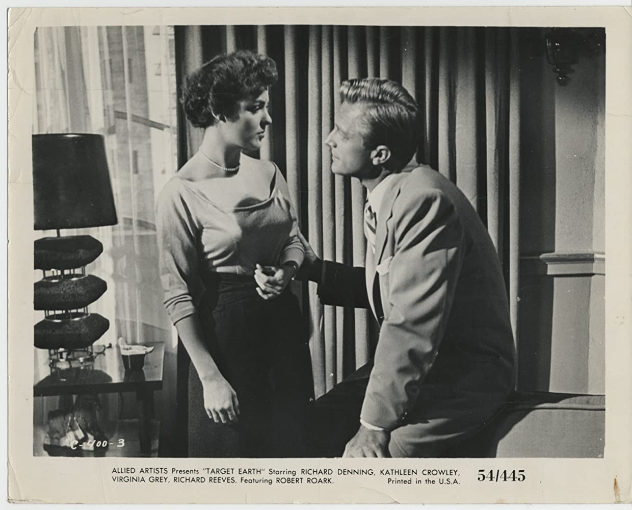 Kathleen Crowley and Richard Denning in Target Earth (1954)