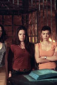 Alyssa Milano, Rose McGowan, and Holly Marie Combs in Charmed (1998)