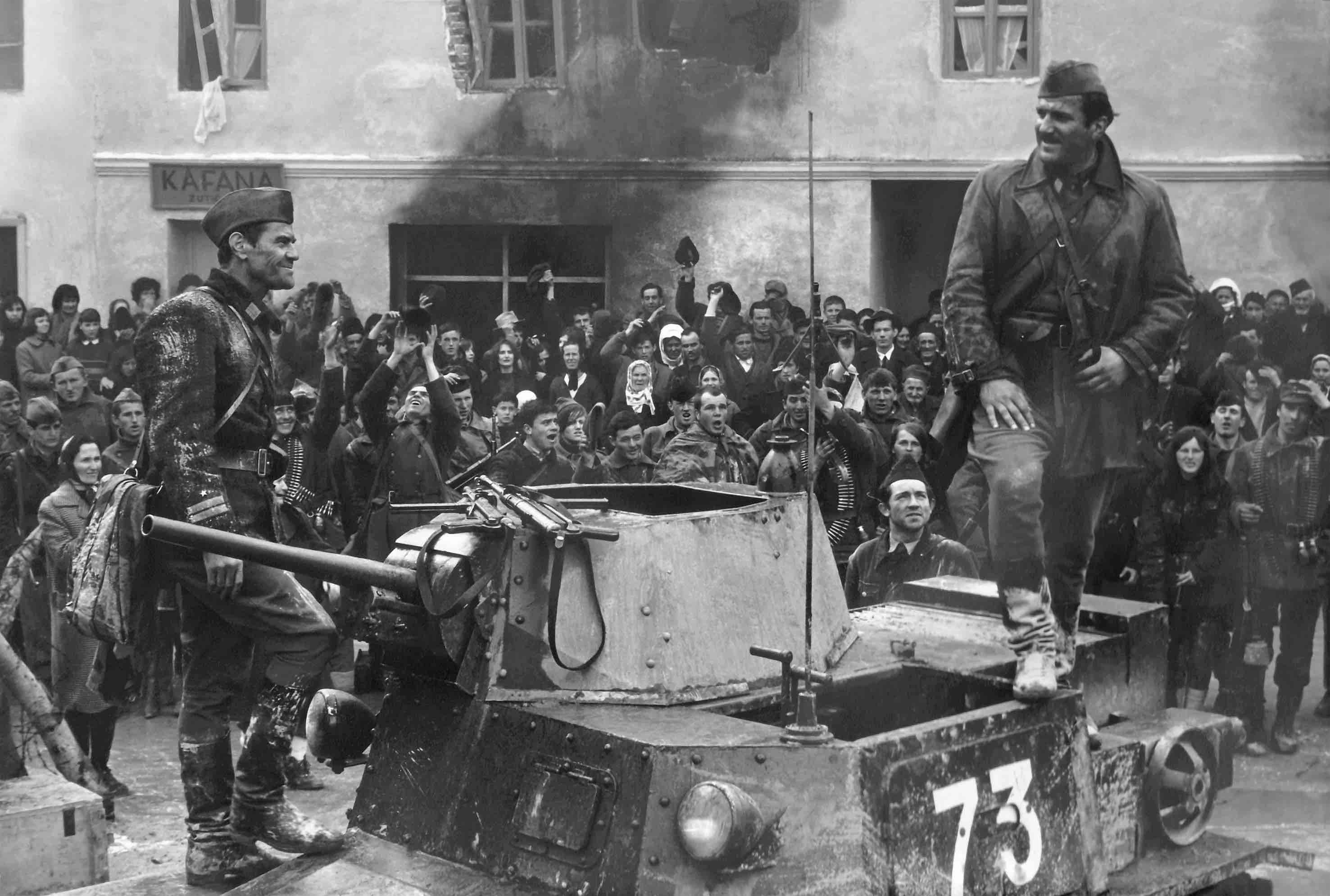 Lojze Rozman and Velimir 'Bata' Zivojinovic in Bitka na Neretvi (1969)