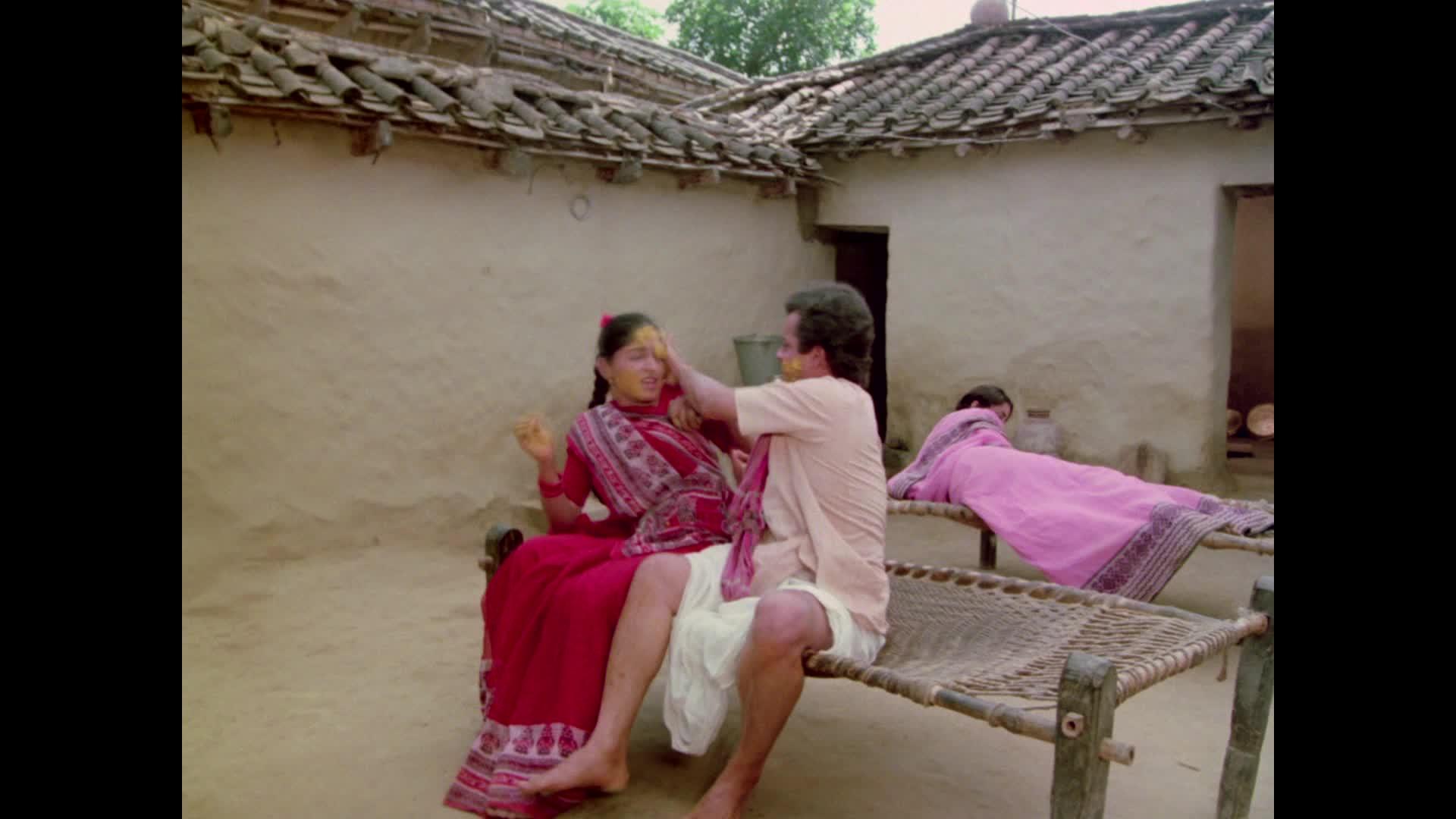 Nadiya Ke Paar Movie Trailer