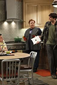 Jon Cryer, Conchata Ferrell, and Ashton Kutcher in Two and a Half Men (2003)