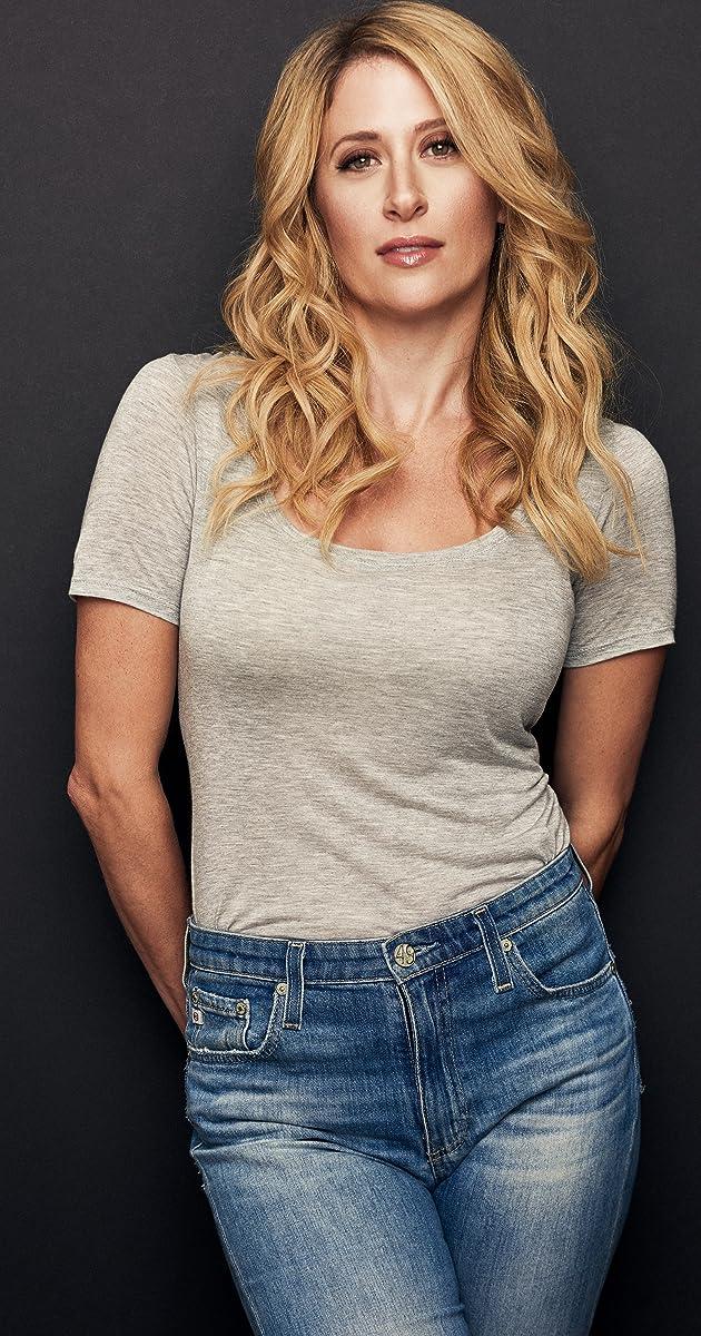 Caissie Levy - IMDb