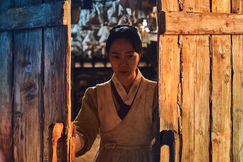 Doona Bae in Kingdom (2019)