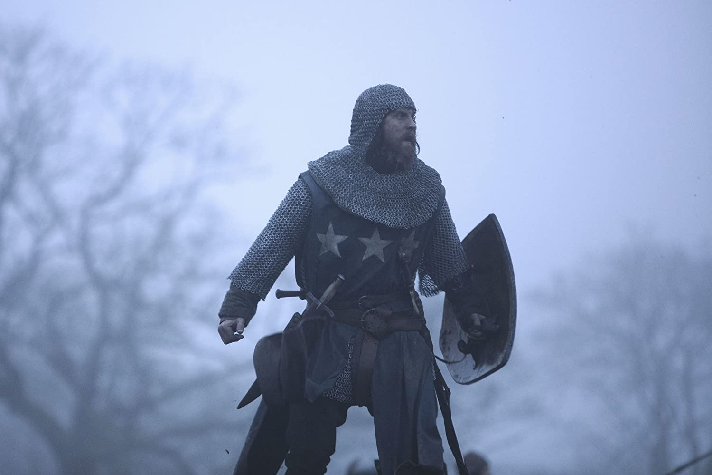 Outlaw King movie review legítimo rei crítica
