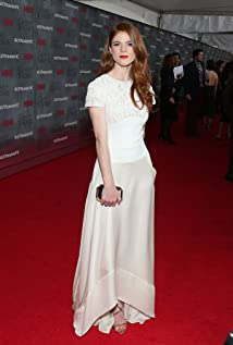 Rose Leslie Picture