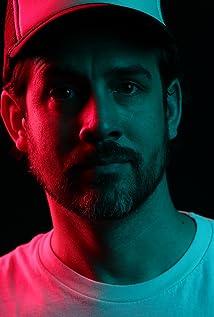 Brett Simmons Picture
