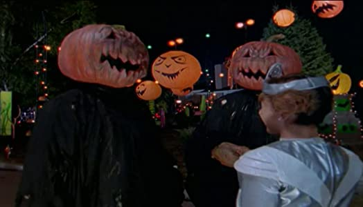 Recommend me a comedy movie to watch Attack of the Jack-O'-Lanterns [1680x1050]