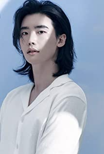 Lee Jong-Suk Picture