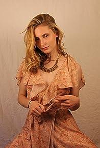 Primary photo for Annie Hamilton