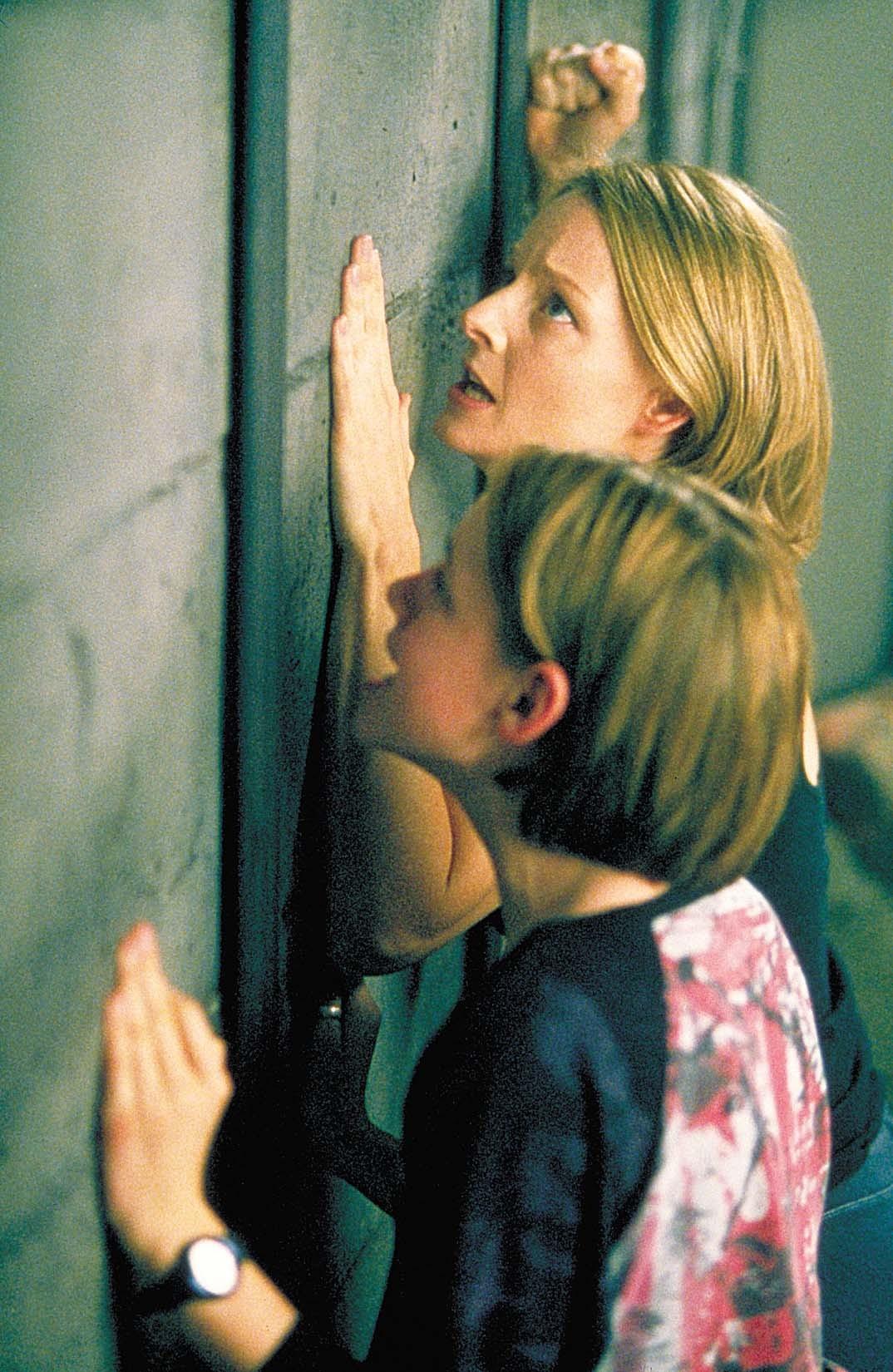 Jodie Foster and Kristen Stewart in Panic Room (2002)