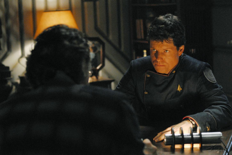 Jamie Bamber in Battlestar Galactica (2004)